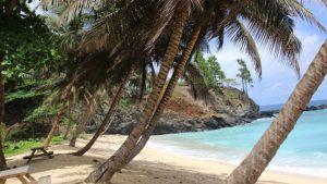 praia paradisíaca de sao tome