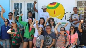 grupo de viajantes mocambique