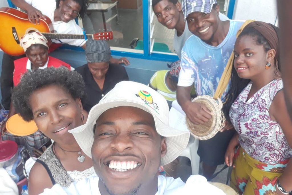 foto de pessoas da smile mozambique